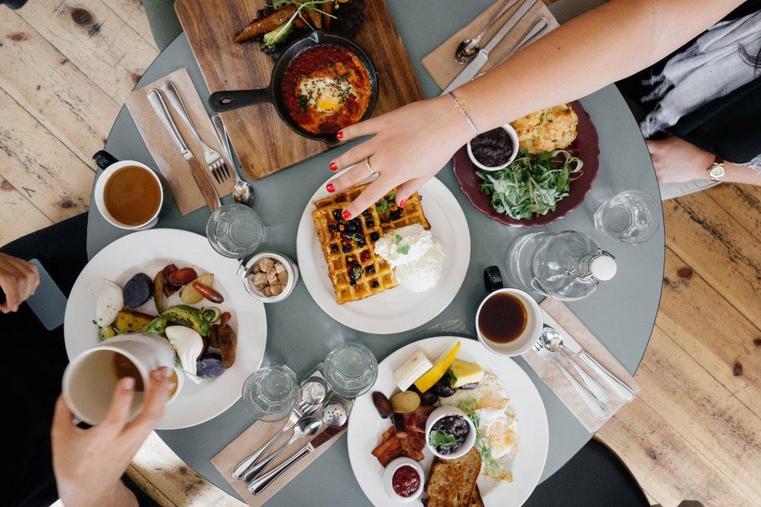 Контент похож на еду: потребность есть у всех, но каждый выбирает то, что ему нужно именно в этот момент.