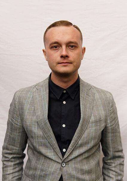 Сергей, Сыщик-сейлз